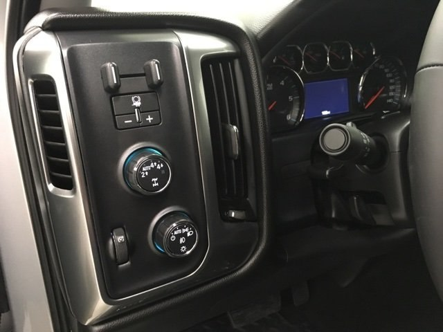 2018 Silverado 1500 Crew Cab 4x4, Pickup #180653 - photo 16