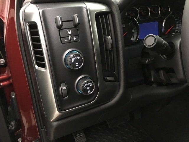 2018 Silverado 1500 Crew Cab 4x4,  Pickup #180674 - photo 12