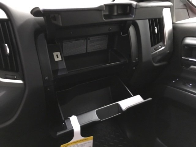2018 Silverado 1500 Crew Cab 4x4,  Pickup #180675 - photo 18