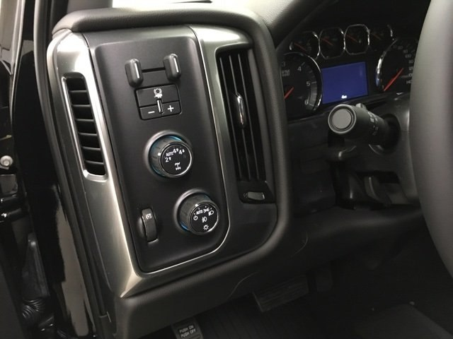 2018 Silverado 1500 Double Cab 4x4, Pickup #180750 - photo 12