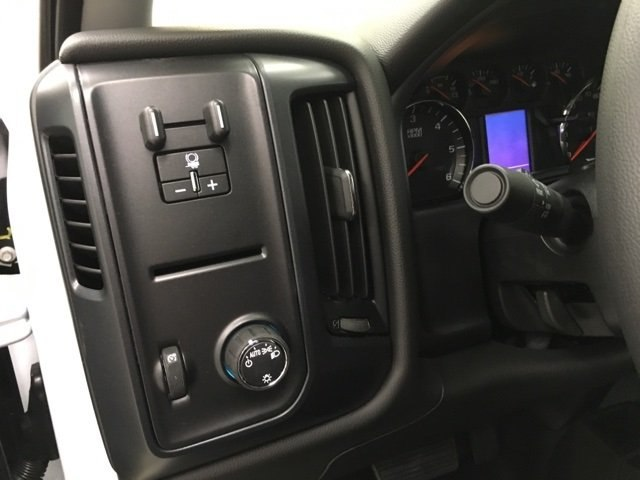 2018 Silverado 2500 Double Cab 4x4, Pickup #180785 - photo 16
