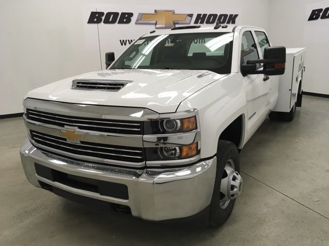 2018 Silverado 3500 Crew Cab DRW 4x4,  Reading Service Body #180880 - photo 7