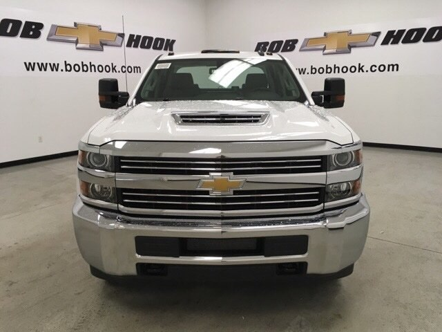 2018 Silverado 3500 Crew Cab DRW 4x4,  Reading Service Body #180891 - photo 8