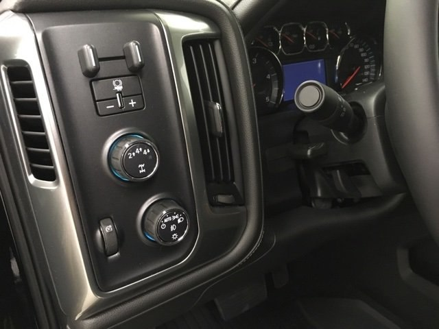 2018 Silverado 2500 Crew Cab 4x4,  Pickup #180915 - photo 17