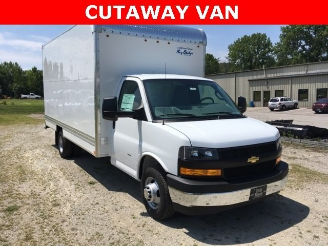 2018 Express 3500 4x2,  Cutaway Van #180921 - photo 3