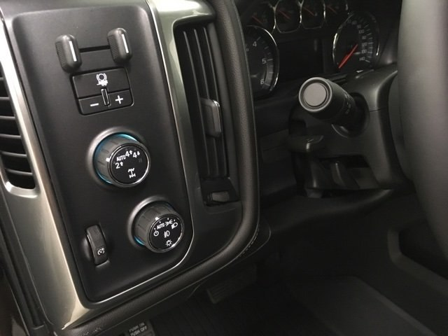 2018 Silverado 1500 Crew Cab 4x4,  Pickup #180957 - photo 16