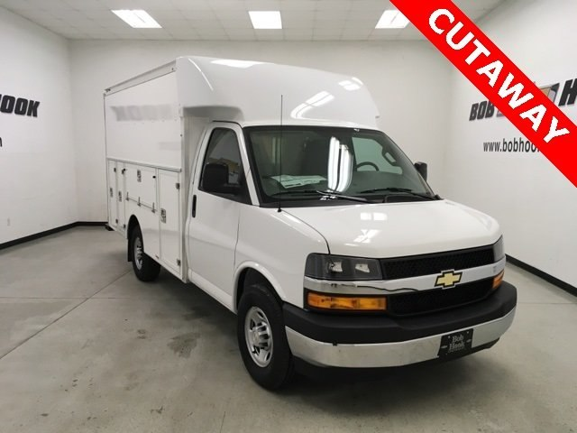 2018 Express 3500 4x2,  Supreme Service Utility Van #180970 - photo 3