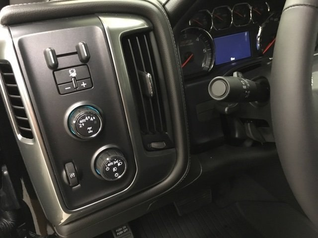 2018 Silverado 1500 Crew Cab 4x4,  Pickup #180974 - photo 18