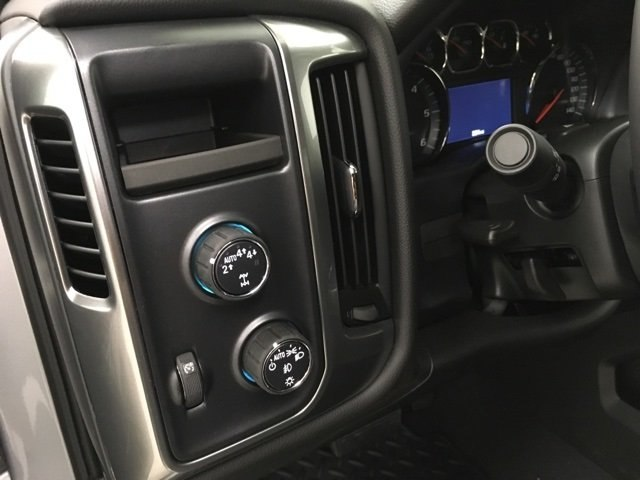 2018 Silverado 1500 Crew Cab 4x4,  Pickup #180975 - photo 18