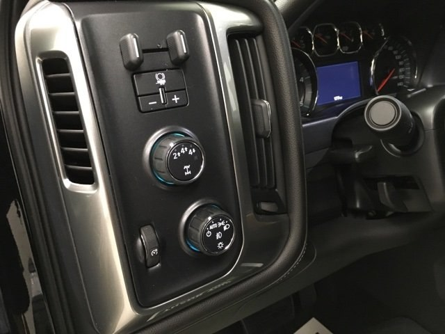 2018 Silverado 2500 Crew Cab 4x4,  Pickup #180977 - photo 18