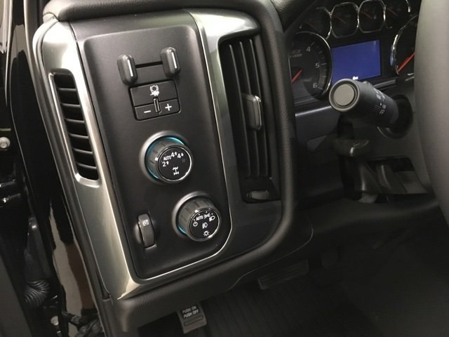 2018 Silverado 1500 Crew Cab 4x4,  Pickup #180979 - photo 18