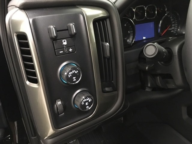 2018 Silverado 1500 Crew Cab 4x4,  Pickup #180980 - photo 20