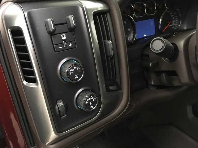 2018 Silverado 1500 Crew Cab 4x4,  Pickup #180987 - photo 18
