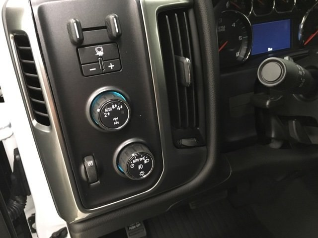 2018 Silverado 1500 Crew Cab 4x4,  Pickup #180988 - photo 18
