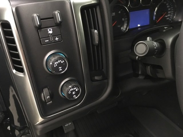 2018 Silverado 1500 Crew Cab 4x4,  Pickup #180990 - photo 18