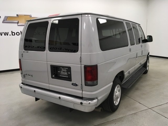 2008 E-150 4x2,  Passenger Wagon #180990AA - photo 2