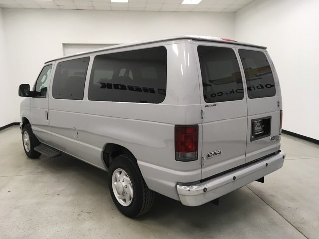 2008 E-150 4x2,  Passenger Wagon #180990AA - photo 3