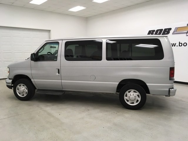 2008 E-150 4x2,  Passenger Wagon #180990AA - photo 6