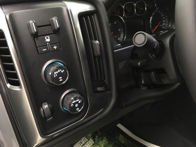 2018 Silverado 1500 Crew Cab 4x4,  Pickup #180995 - photo 18