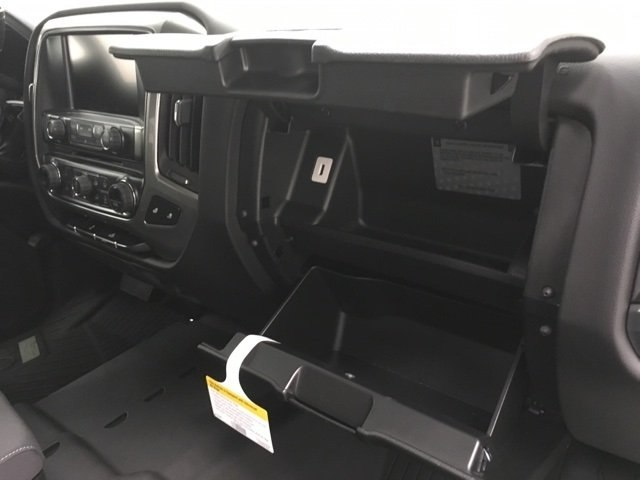 2018 Silverado 1500 Crew Cab 4x4,  Pickup #180996 - photo 10