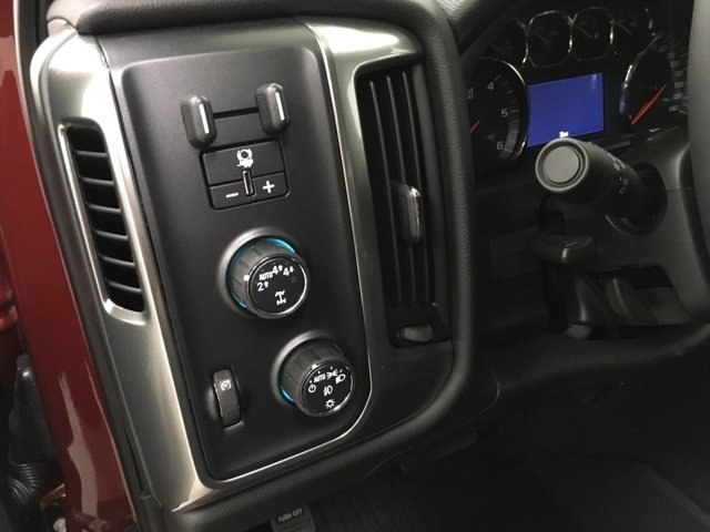 2018 Silverado 1500 Crew Cab 4x4,  Pickup #180997 - photo 18