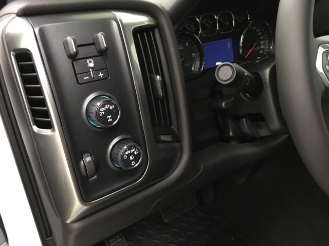 2018 Silverado 1500 Double Cab 4x4,  Pickup #181014 - photo 18