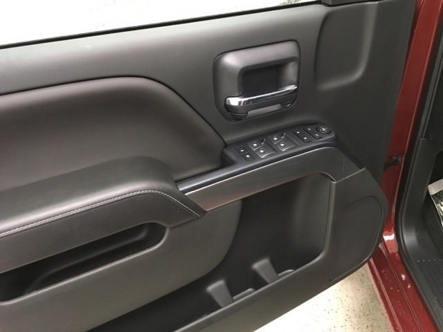 2018 Silverado 1500 Crew Cab 4x4,  Pickup #181020 - photo 17