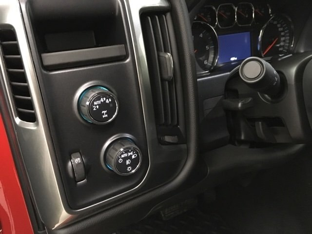 2018 Silverado 1500 Crew Cab 4x4,  Pickup #181022 - photo 18