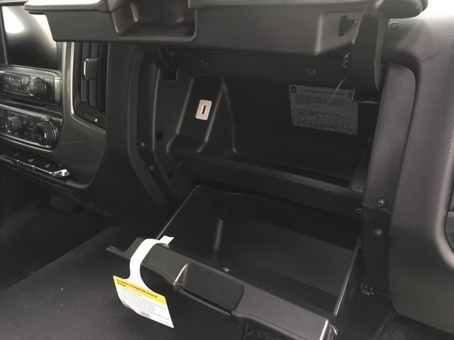 2018 Silverado 1500 Crew Cab 4x4,  Pickup #181029 - photo 11
