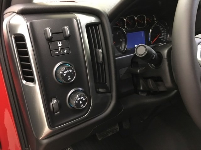 2018 Silverado 1500 Crew Cab 4x4,  Pickup #181063 - photo 18