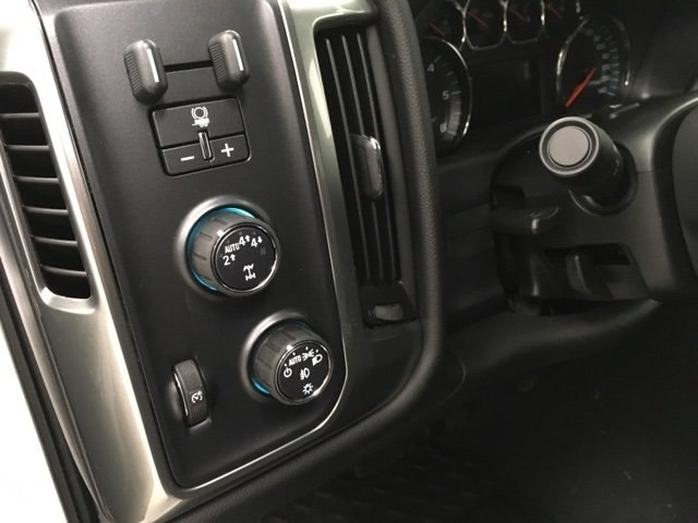 2018 Silverado 1500 Crew Cab 4x4,  Pickup #181089 - photo 18