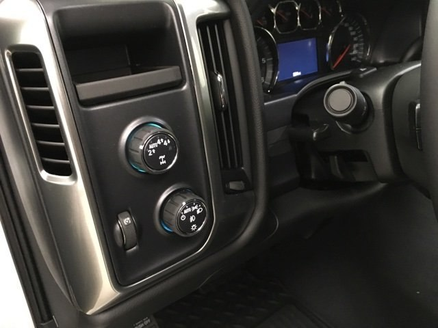 2018 Silverado 1500 Crew Cab 4x4,  Pickup #181097 - photo 18