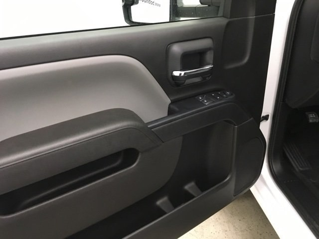 2019 Silverado 3500 Regular Cab DRW 4x4,  Reading SL Service Body #190034 - photo 17