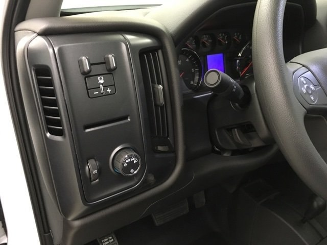 2019 Silverado 3500 Regular Cab DRW 4x4,  Reading Service Body #190034 - photo 18