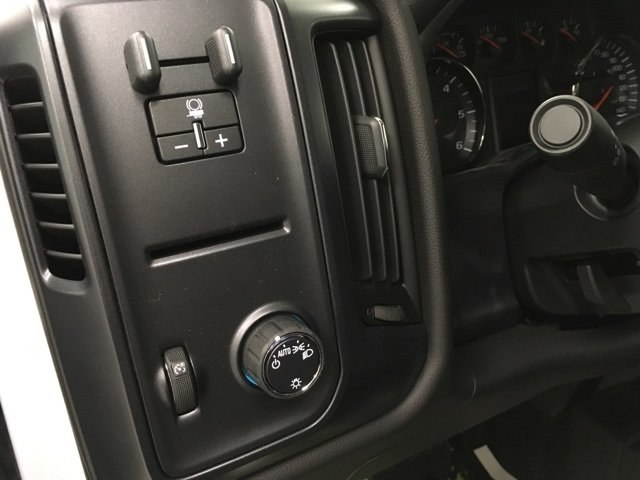 2019 Silverado 2500 Crew Cab 4x4,  Pickup #190069 - photo 18