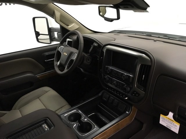 2019 Silverado 3500 Crew Cab 4x4,  Pickup #190076 - photo 10