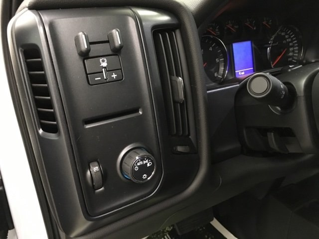 2019 Silverado 2500 Crew Cab 4x4,  Pickup #190078 - photo 17