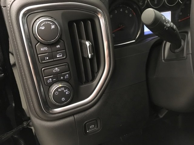 2019 Silverado 1500 Crew Cab 4x4,  Pickup #190085 - photo 20