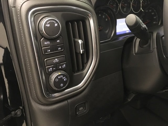 2019 Silverado 1500 Crew Cab 4x4,  Pickup #190132 - photo 19