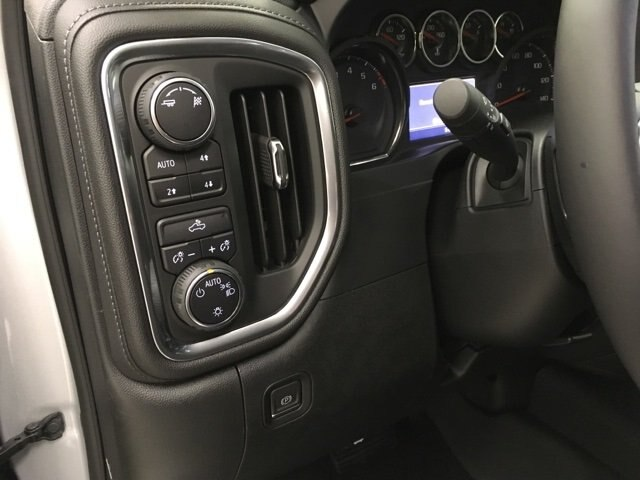 2019 Silverado 1500 Crew Cab 4x4,  Pickup #190156 - photo 20