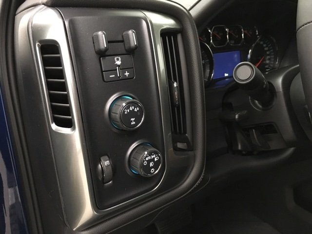 2019 Silverado 2500 Crew Cab 4x4,  Pickup #190182 - photo 18