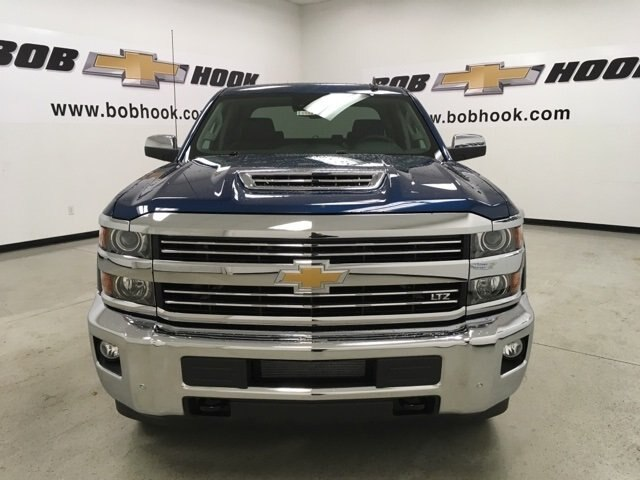 2019 Silverado 2500 Crew Cab 4x4,  Pickup #190182 - photo 8