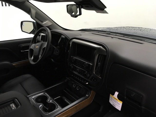 2019 Silverado 2500 Crew Cab 4x4,  Pickup #190182 - photo 9