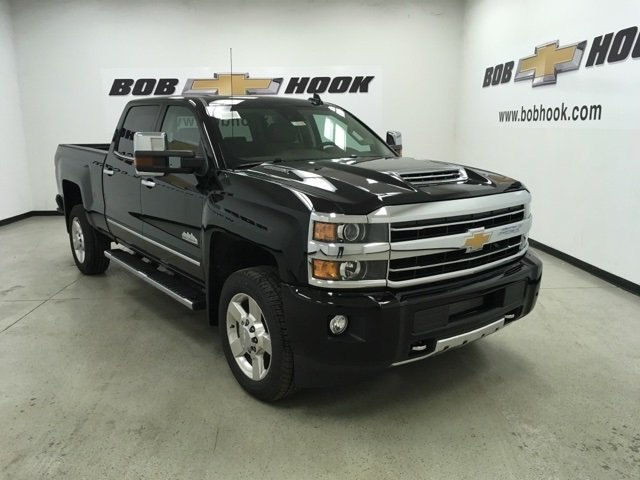 2019 Silverado 2500 Crew Cab 4x4,  Pickup #190202 - photo 3