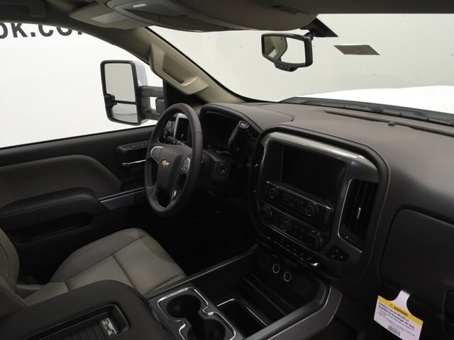2019 Silverado 2500 Crew Cab 4x4,  Pickup #190348 - photo 10