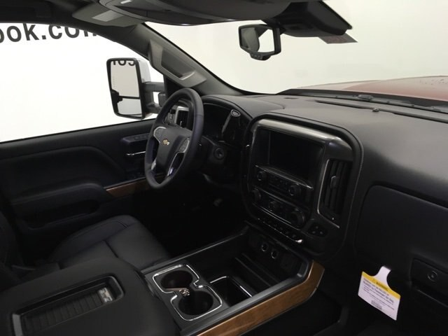 2019 Silverado 2500 Crew Cab 4x4,  Pickup #190349 - photo 10