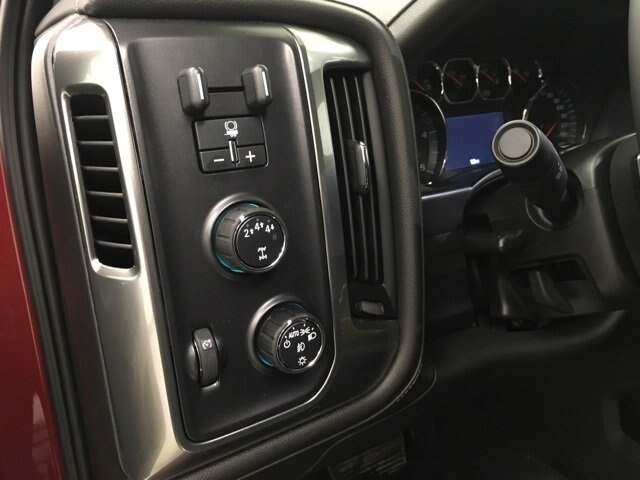 2019 Silverado 2500 Crew Cab 4x4,  Pickup #190349 - photo 19