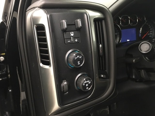 2019 Silverado 2500 Crew Cab 4x4,  Pickup #190358 - photo 18