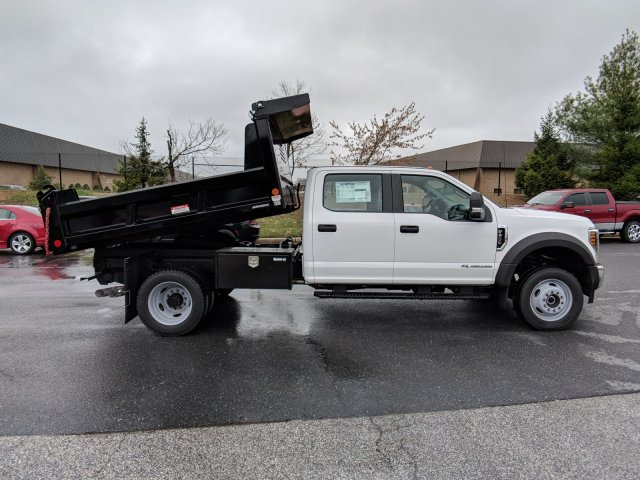 2018 F-450 Crew Cab DRW 4x4, Reading Dump Body #J1253F - photo 2