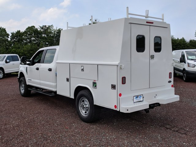 2018 F-350 Crew Cab 4x4,  Reading Panel and Tapered Panel Body Service Utility Van #J1451F - photo 3